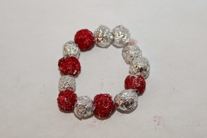 Aluminium foil bead bracelet